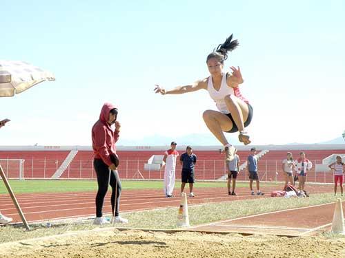 Tarija triunfa en el torneo Sub-20 de atletismo