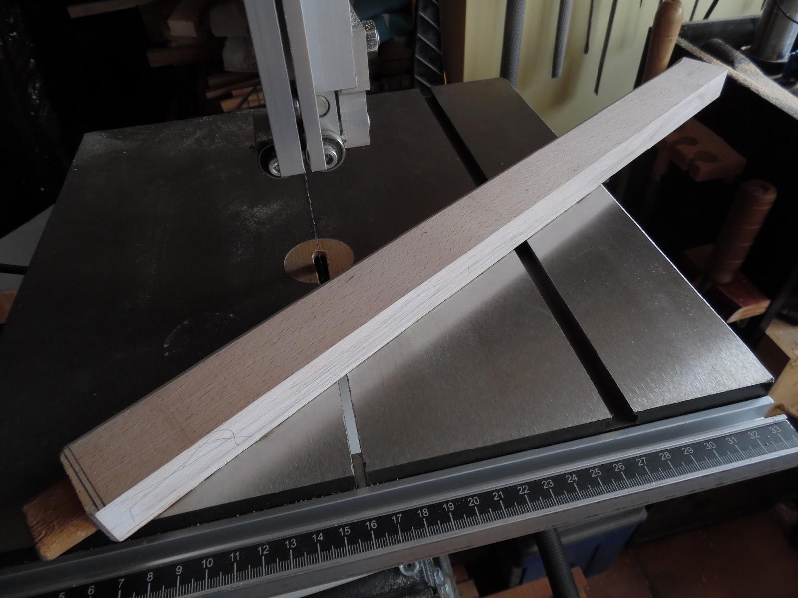 El rinc n de un aprendiz una esp tula en madera de haya for Decapante para madera