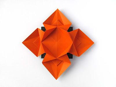 Origami, foto1 Fiore o Stella 3 - Flower or star 3 © by Francesco Guarnieri
