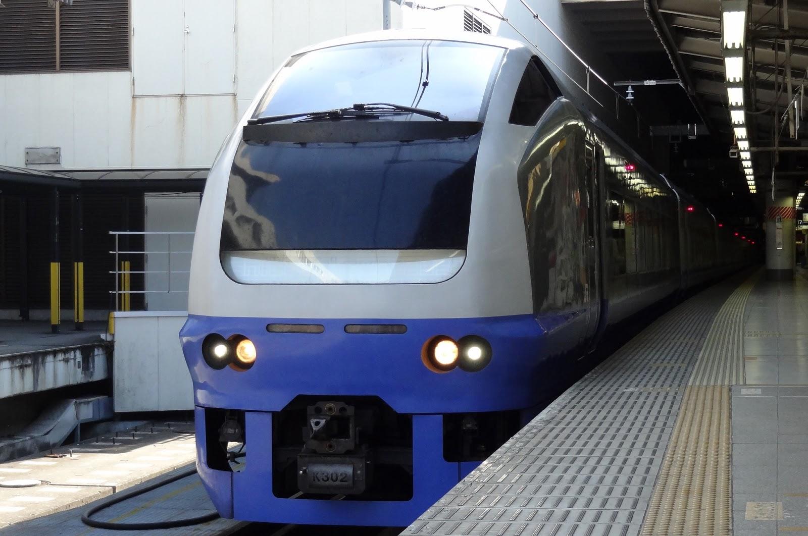 上野駅に停車中のE653系フレッシュひたち