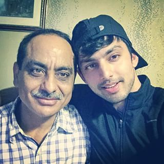 Himansh with father Vipin kohli