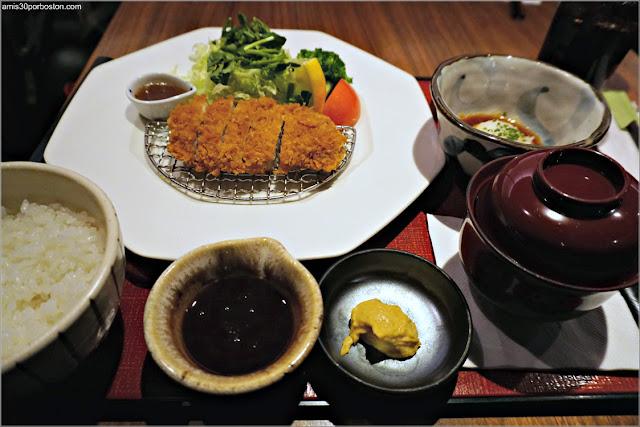 Tonkatsu Set del Restaurante Japonés Ootoya en Chelsea, Nueva York
