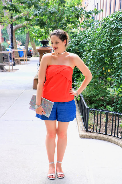 Nyc fashion blogger Kathleen Harper's summer street style with shorts