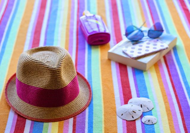 bronzer-plage-ete-estival-autobronzant-creme-solaire-maillot-de-bains