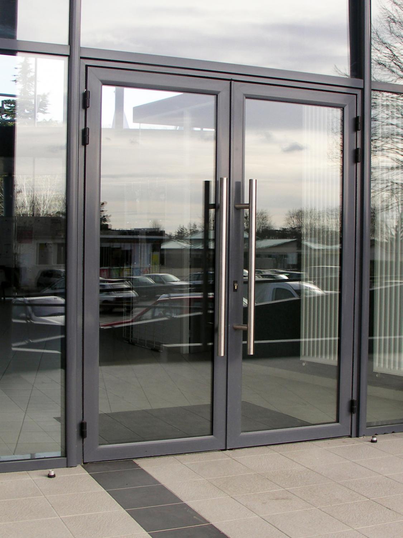 Keunggulan Pintu Aluminium - gemilang utama aluminium