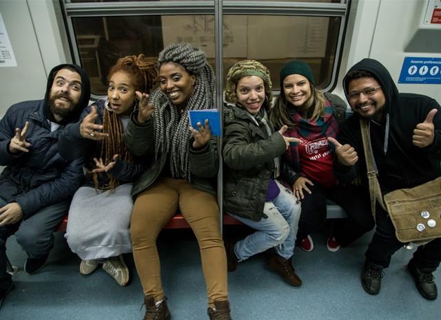 Poetas Ambulantes realizam três ações simultâneas nos transportes públicos de SP