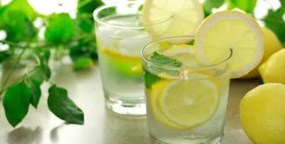 A Melhor Forma de Ingerir: Água com Limão