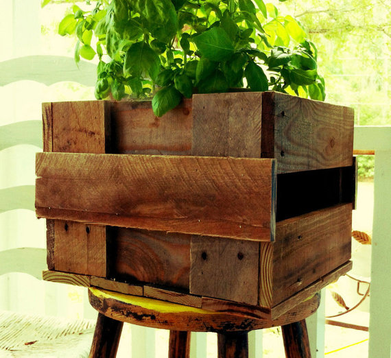 how to build a planter out of pallets