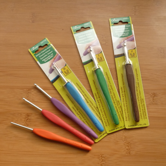packaged clover amour crochet hooks display