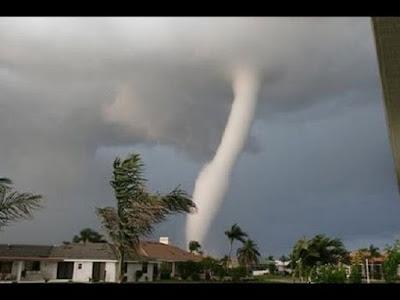 Bencana alam Angin topan - berbagaireviews.com