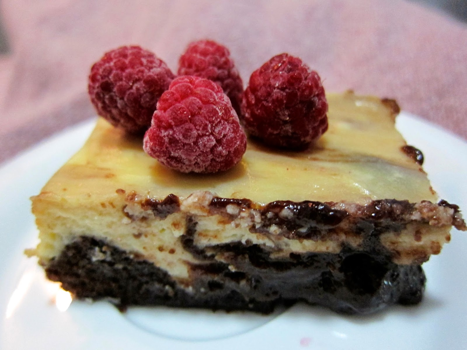marbled chocolate cheesecake slice warm chocolate cheesecake brownie