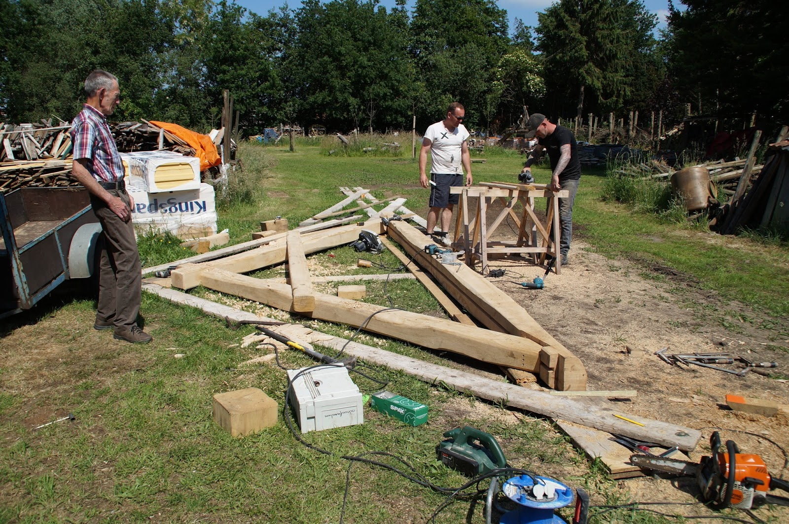 De verbouwing van een 200 jaar oude boerderij Hout en