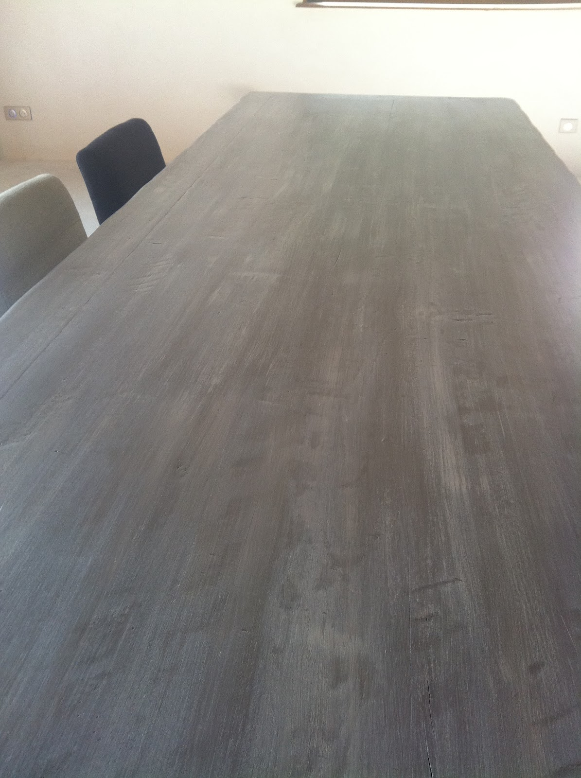 l 39 atelier des f es relooking table de ferme buxy table anciennement bois tr s fon j 39 ai. Black Bedroom Furniture Sets. Home Design Ideas