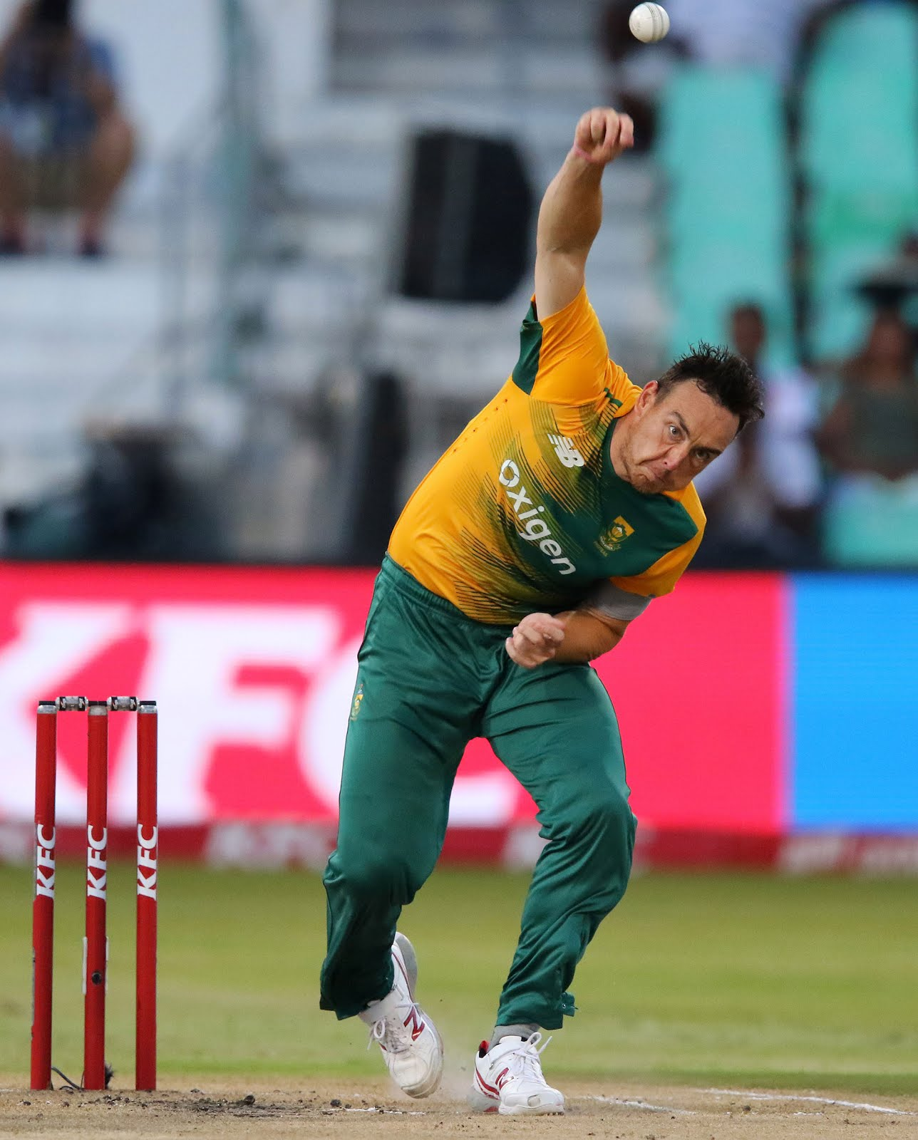 Kyle Abbott seamer bowing for South Africa