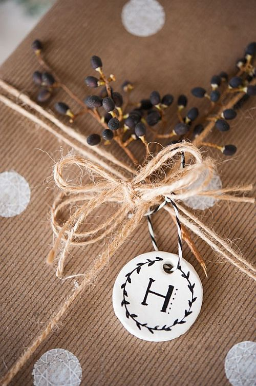 pretty wrapping details: kraft paper with berries and monogram