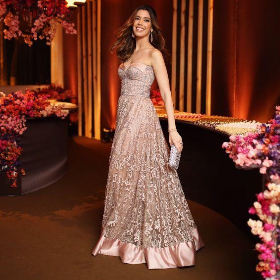 Elegante vestido de tule rose