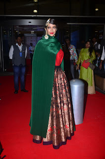 manchu lakshmi at filmfare awards 2017