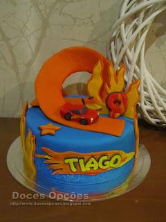 Bolo de aniversário Hot Wheels
