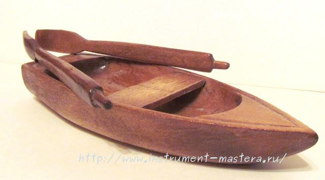 деревянная игрушка-лодка