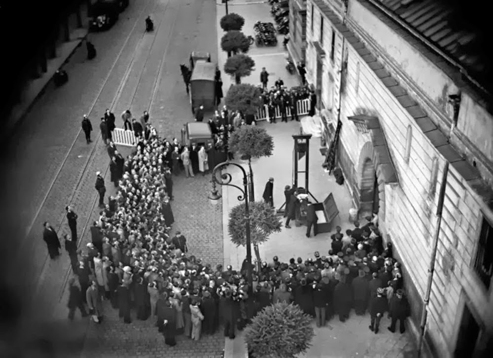 Last public execution by guillotine, France, 1939