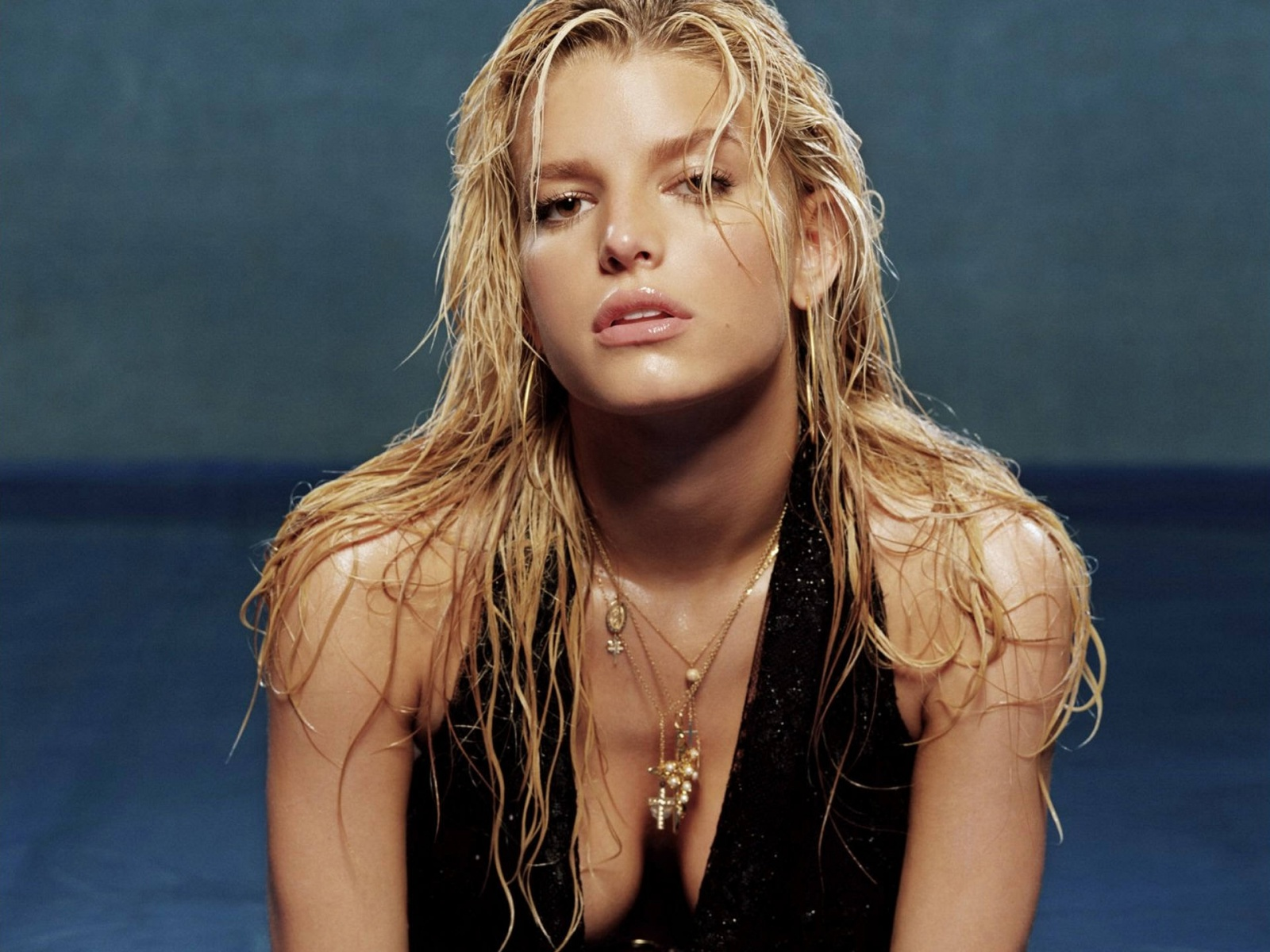 Hollywood Celebrity Jessica Simpson Hot and Sexy Wallpapers