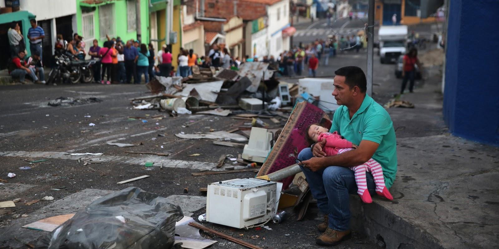 http://www.libertar.in/2016/04/tirania-comunista-na-venezuela-usa.html?utm_source=feedburner&utm_medium=email&utm_campaign=Feed%3A+LibertarinSejaLivreAntesQueSejaTarde+%28LIBERTAR.in+%3A%3A+Seja+livre%2C+antes+que+seja+tarde!%29