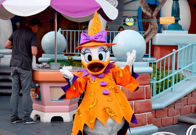 Personajes Disney en Halloween Disneylandia