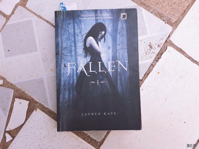 Livros lidos em fevereiro- FALLEN