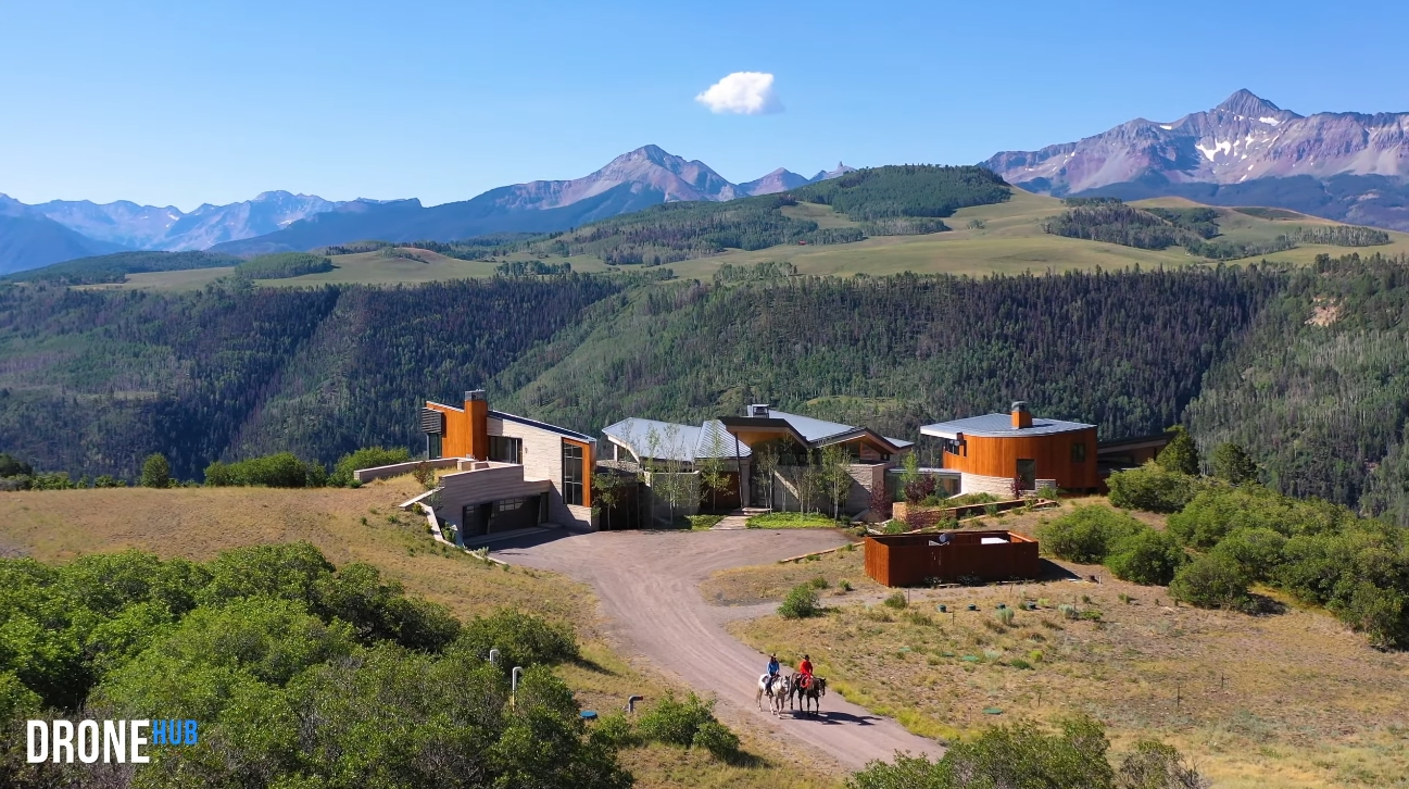 55 Photos vs. Luxury Modern Telluride Colorado Mountain Estate Interior Design Tour