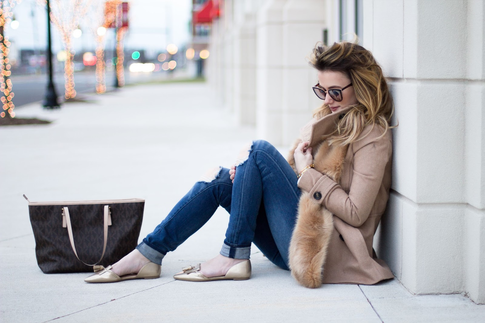 womens winter neutral outfit
