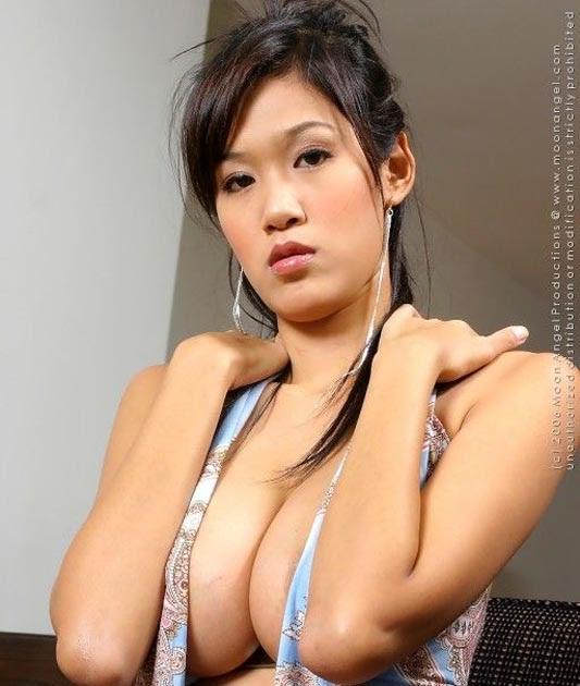 Model Seksi Irene Fah  Foto dan Gambar  Just Relax
