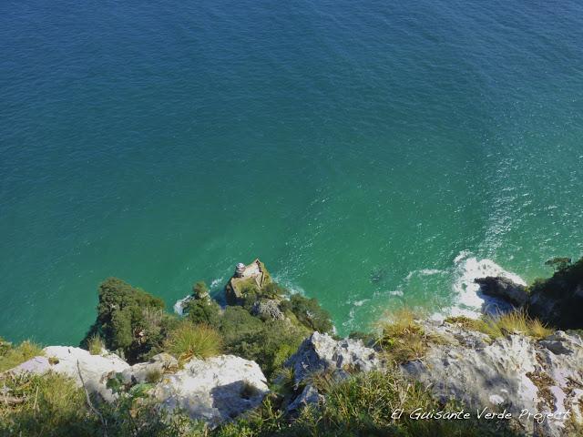 Faro del Caballo - Santoña, por El Guisante Verde Project