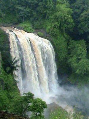 air terjun curugsewu | wisata kendal | wonderful Indonesia