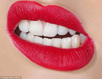 Ilustrasi menggertakkan gigi