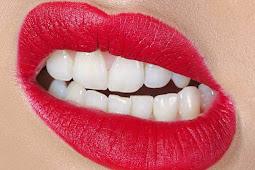 Mengapa begitu banyak wanita menggertakkan giginya di malam hari?