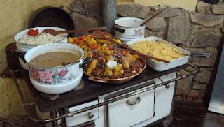 Fogão a Lenha: Comida Caipira