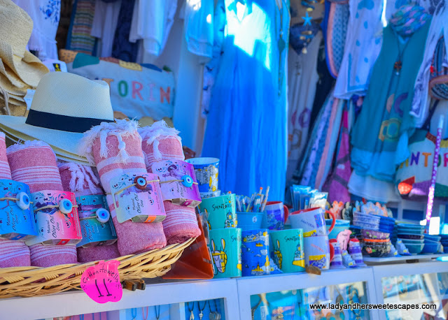 shopping in Fira market