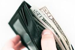 7 Alasan suami menyembunyikan uang dari istri, coba lihat no. 6 !!!