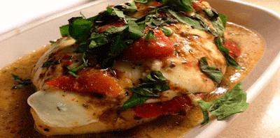 Fácil y rápida receta de pollo caprese, este  plato es delicioso y lo puedes preparar con unos pocos ingredientes.