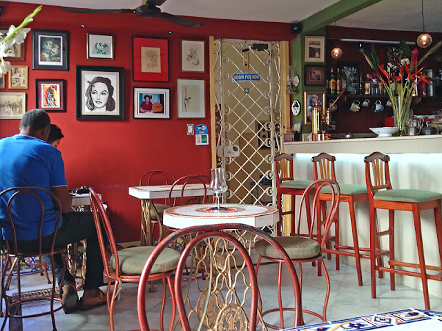 Intérieur du café Arcangel à La Havane