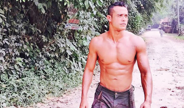 zul ariffin shirtless sado