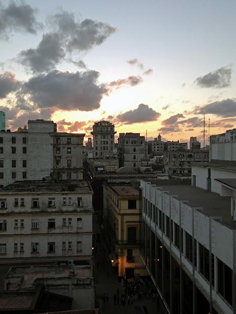 Vue de la terrasse de l'hôtel Ambos Mundos