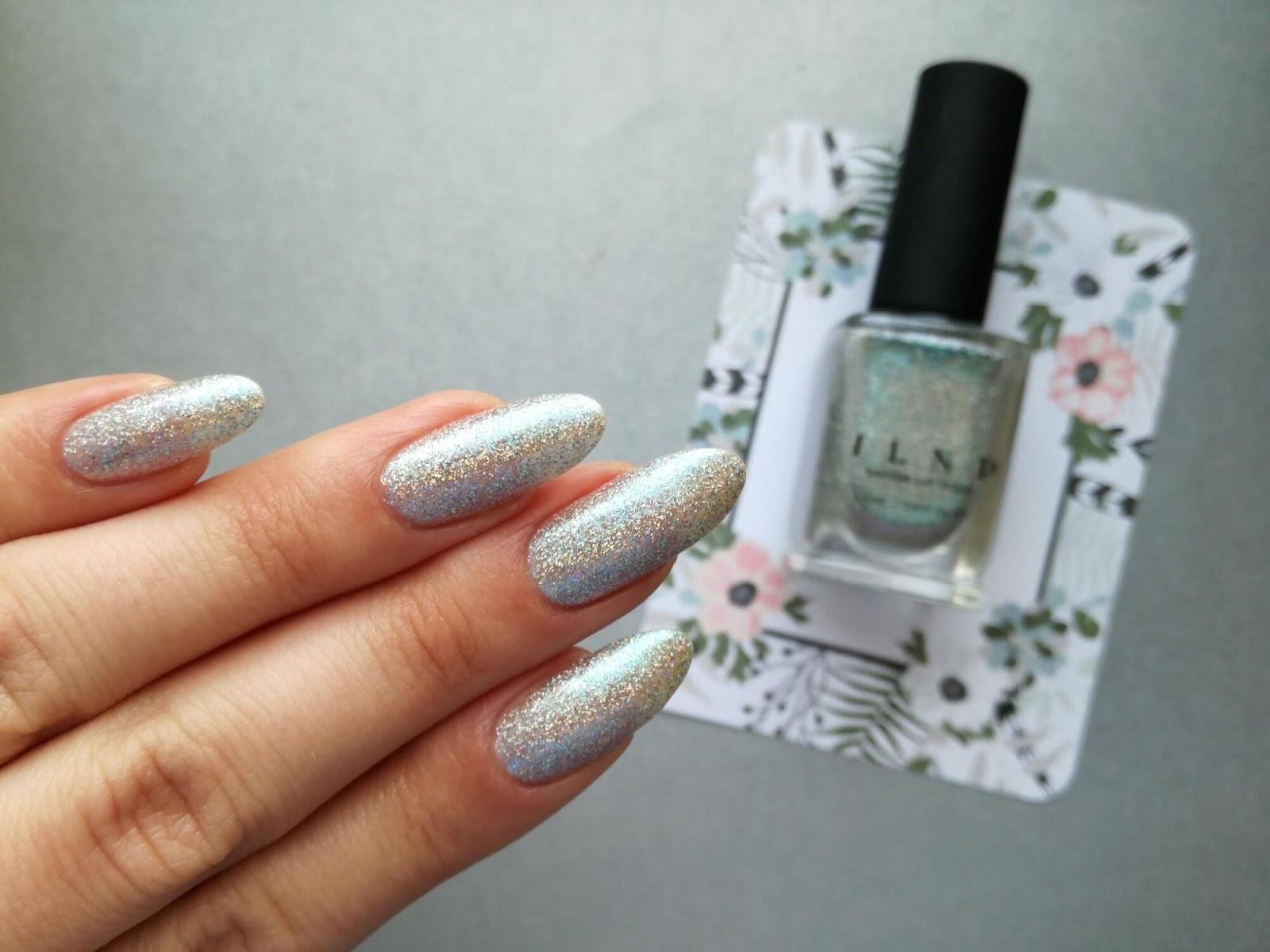 srebrne paznokcie holo