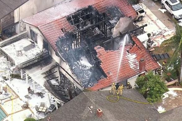 5 people killed, 3 injured after plane crashes into a house in California - [California News]