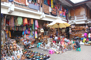 All About Bali Hunt souvenirs in sukawati art market