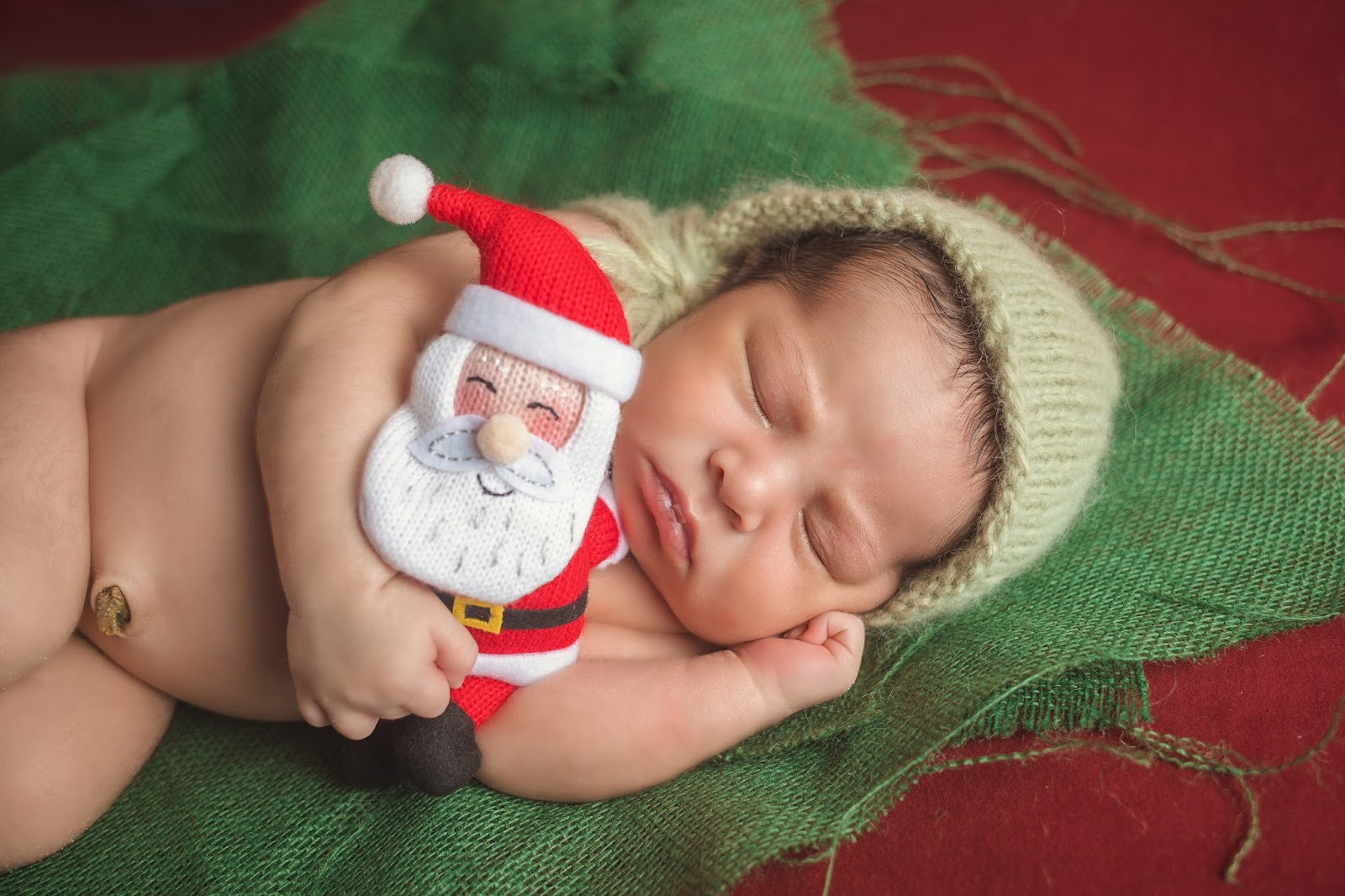 Baby Christmas Photoshoot, Christmas themed newborn session