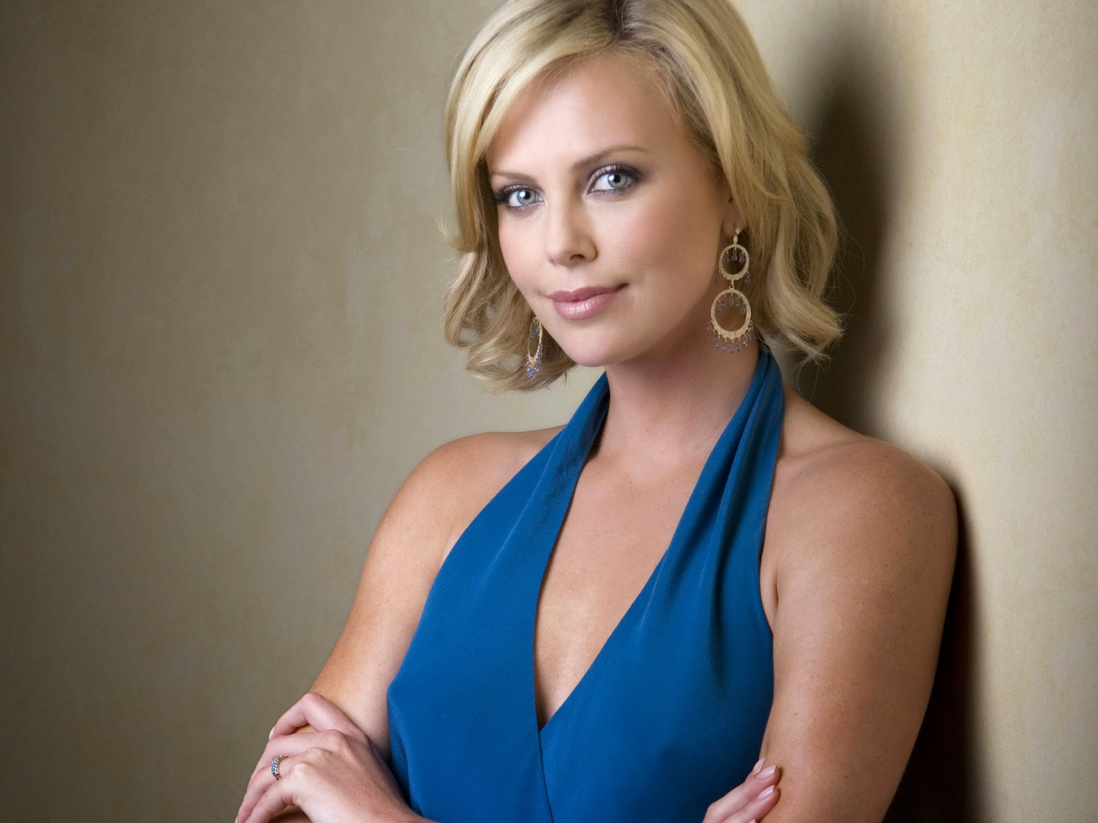 Charlize Theron sexy in blue dress