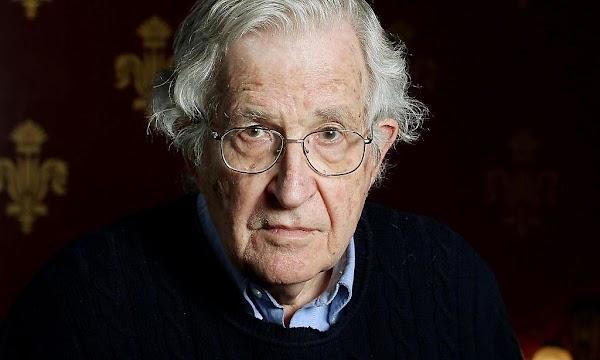 Noam Chomsky : Libros, entrevistas y artículos