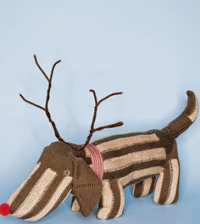 http://www.marthastewart.com/908060/sock-dog?backto=true&backtourl=/photogallery/christmas-sewing-projects#slide_1