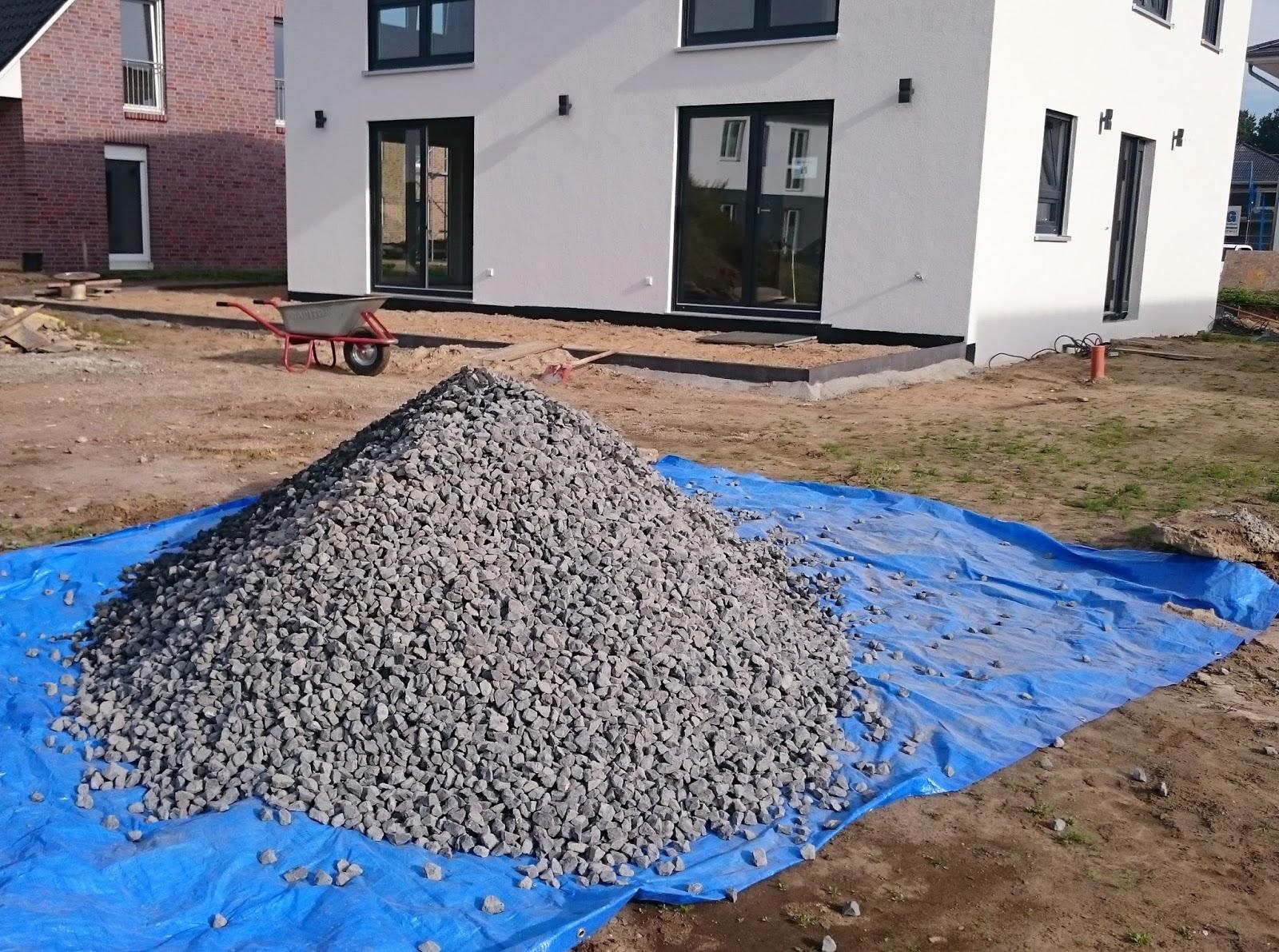 Stadtvilla in elmenhorst splitt r ttler und entw sserung f r die terrasse for Loungemobel fur die terrasse